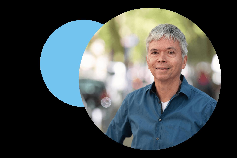 Benedikt Allermann ist Kontaktlinsen-Expertin bei Avermann Contactlinsen